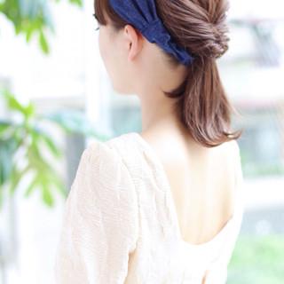 ミディアム 大人かわいい 簡単ヘアアレンジ パーマ ヘアスタイルや髪型の写真・画像