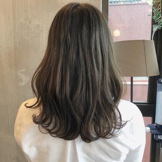外国人風カラー 大人かわいい オフィス 涼しげ ヘアスタイルや髪型の写真・画像