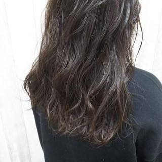 オフィス ダブルカラー セミロング モテ髪 ヘアスタイルや髪型の写真・画像