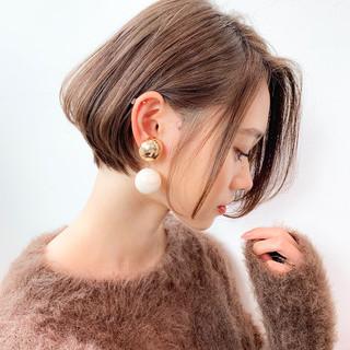 アンニュイほつれヘア オフィス ショート 小顔ショート ヘアスタイルや髪型の写真・画像