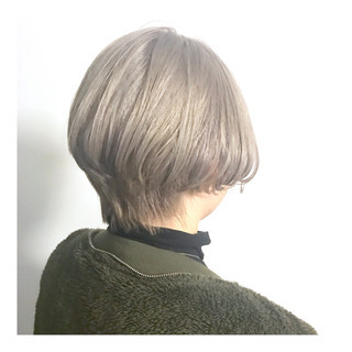 ショートボブ ボブ モード ハイトーン ヘアスタイルや髪型の写真・画像