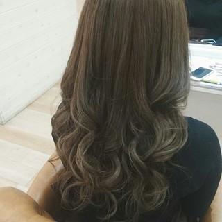 透明感 アッシュ 大人かわいい アッシュグレージュ ヘアスタイルや髪型の写真・画像