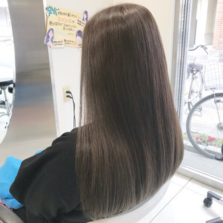 ミルクティーベージュ ヌーディベージュ ナチュラル ハイライト ヘアスタイルや髪型の写真・画像