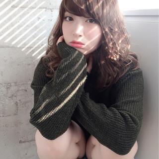 フェミニン ガーリー 前髪あり アッシュ ヘアスタイルや髪型の写真・画像