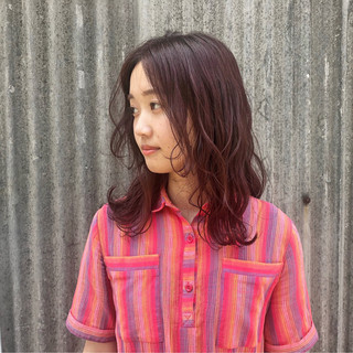 前髪あり セミロング 波ウェーブ デート ヘアスタイルや髪型の写真・画像