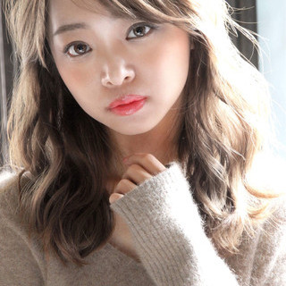 イルミナカラー ゆるふわパーマ パーマ アッシュグレージュ ヘアスタイルや髪型の写真・画像