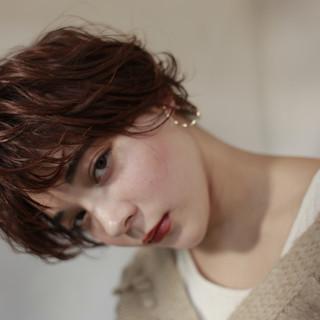 ショートパーマ ハンサムショート 外国人風パーマ フェミニン ヘアスタイルや髪型の写真・画像