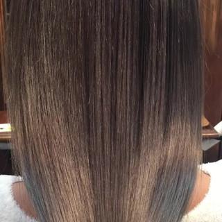 ロング アッシュ 透明感 グラデーションカラー ヘアスタイルや髪型の写真・画像