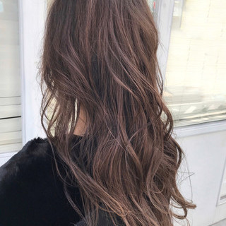 ミルクティーベージュ 巻き髪 ベージュ ロング ヘアスタイルや髪型の写真・画像 ヘアスタイルや髪型の写真・画像