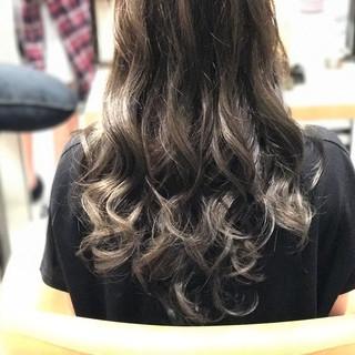 ロング グレージュ 上品 外国人風カラー ヘアスタイルや髪型の写真・画像