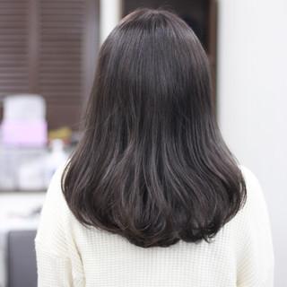 ナチュラル 圧倒的透明感 透明感カラー セミロング ヘアスタイルや髪型の写真・画像