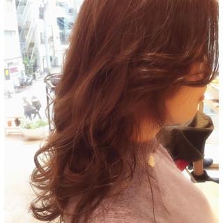 レッド ベージュ かわいい ガーリー ヘアスタイルや髪型の写真・画像