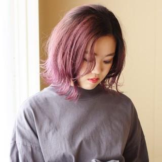 グラデーションカラー ダブルカラー 外ハネ ピンク ヘアスタイルや髪型の写真・画像