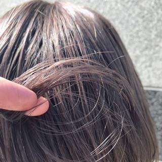 透明感カラー シアーベージュ ミルクティーベージュ ヌーディーベージュ ヘアスタイルや髪型の写真・画像