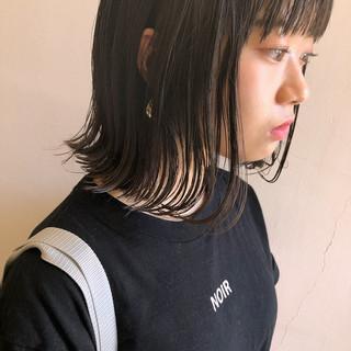 外ハネ ナチュラル 前髪あり 切りっぱなし ヘアスタイルや髪型の写真・画像