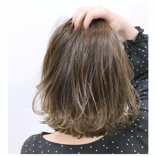 外国人風 ウェーブ ハイライト エレガント ヘアスタイルや髪型の写真・画像 ヘアスタイルや髪型の写真・画像