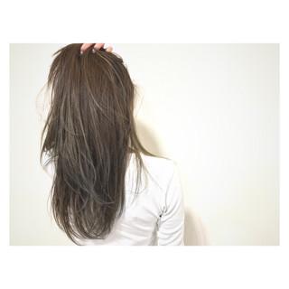 リラックス アッシュベージュ ナチュラル ハイライト ヘアスタイルや髪型の写真・画像