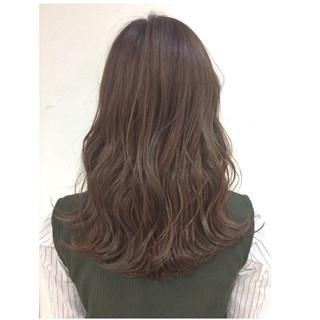 セミロング フェミニン グラデーションカラー 大人かわいい ヘアスタイルや髪型の写真・画像