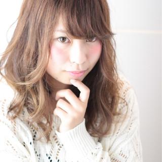 大人かわいい ゆるふわ 外国人風 イルミナカラー ヘアスタイルや髪型の写真・画像