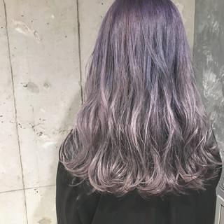 セミロング グレージュ ダブルカラー パープル ヘアスタイルや髪型の写真・画像