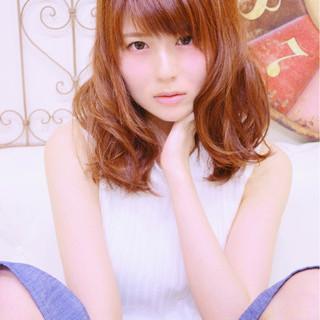 ミディアム ピンク レッド 大人かわいい ヘアスタイルや髪型の写真・画像