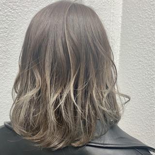 グラデーションカラー 抜け感 ミディアム 透明感 ヘアスタイルや髪型の写真・画像