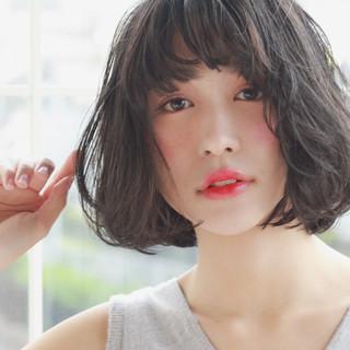 大人女子 大人かわいい 暗髪 外国人風 ヘアスタイルや髪型の写真・画像