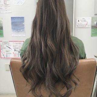 アッシュ フェミニン グラデーションカラー ロング ヘアスタイルや髪型の写真・画像
