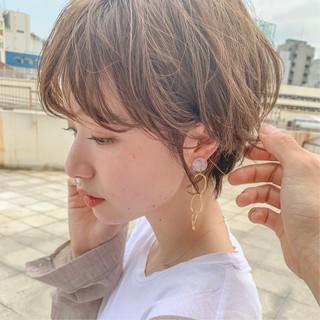 切りっぱなしボブ ナチュラル ショートヘア ショートパーマ ヘアスタイルや髪型の写真・画像