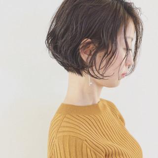 無造作 ナチュラル エフォートレス パーマ ヘアスタイルや髪型の写真・画像
