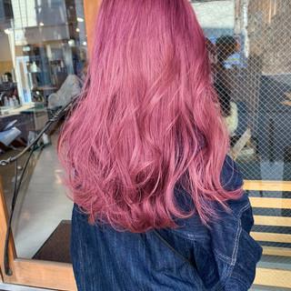 ロング ベリーピンク ガーリー デート ヘアスタイルや髪型の写真・画像