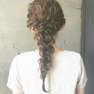 編み込み 夏 ロング ナチュラル ヘアスタイルや髪型の写真・画像 ヘアスタイルや髪型の写真・画像