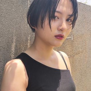 ショート 小顔ショート 黒髪 簡単スタイリング ヘアスタイルや髪型の写真・画像