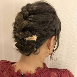 大人かわいい ツイスト パーティ エレガント ヘアスタイルや髪型の写真・画像