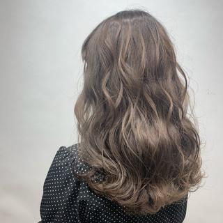 春ヘア グラデーションカラー 春色 ミディアム ヘアスタイルや髪型の写真・画像