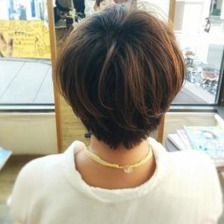 くせ毛風 ゆるふわ 大人かわいい ショート ヘアスタイルや髪型の写真・画像 ヘアスタイルや髪型の写真・画像