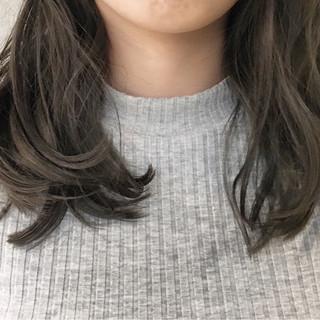 アッシュ 外国人風 グラデーションカラー ゆるふわ ヘアスタイルや髪型の写真・画像