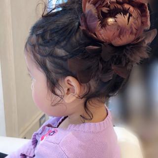 ガーリー ヘアアレンジ くせ毛 後れ毛 ヘアスタイルや髪型の写真・画像