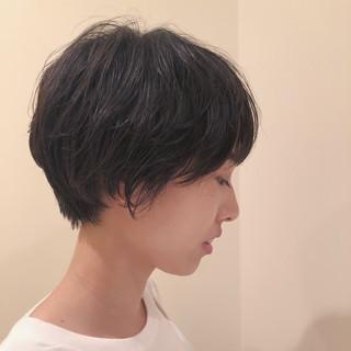 ダークカラー ナチュラル ショートボブ ゆるふわパーマ ヘアスタイルや髪型の写真・画像