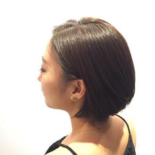 艶髪 ショート ボブ ベージュ ヘアスタイルや髪型の写真・画像