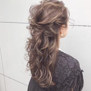 ロング デート ナチュラル ヘアアレンジ ヘアスタイルや髪型の写真・画像 ヘアスタイルや髪型の写真・画像
