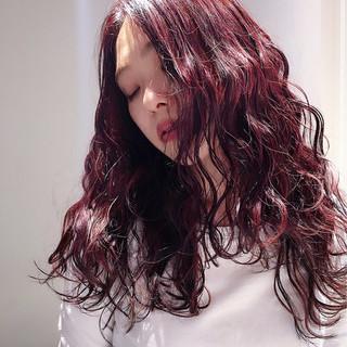 外国人風 パーマ ゆるふわ レッド ヘアスタイルや髪型の写真・画像