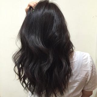 外国人風 イルミナカラー ナチュラル 暗髪 ヘアスタイルや髪型の写真・画像