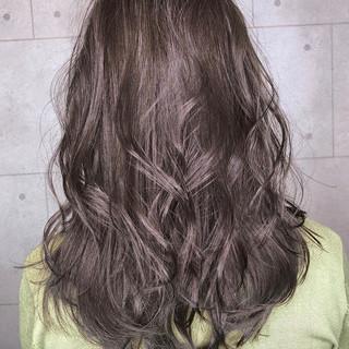 グレージュ ハイライト セミロング ヘアアレンジ ヘアスタイルや髪型の写真・画像