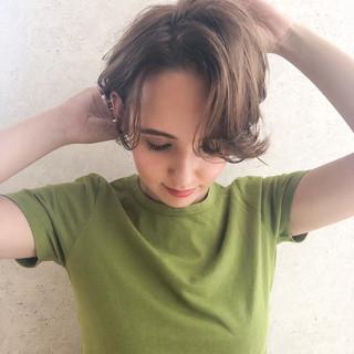 グレージュ 透明感 ミルクティーベージュ 外国人風カラー ヘアスタイルや髪型の写真・画像