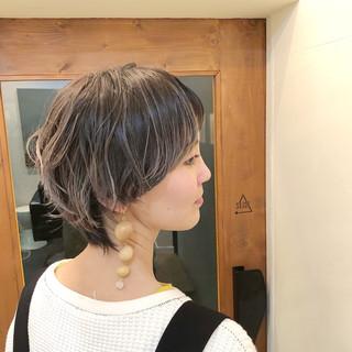 グラデーションカラー マッシュ 色気 モード ヘアスタイルや髪型の写真・画像