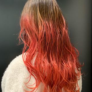 フェミニン ロング グラデーションカラー ゆる巻き ヘアスタイルや髪型の写真・画像