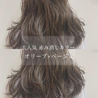 ミディアム 大人かわいい オリーブアッシュ ナチュラル ヘアスタイルや髪型の写真・画像