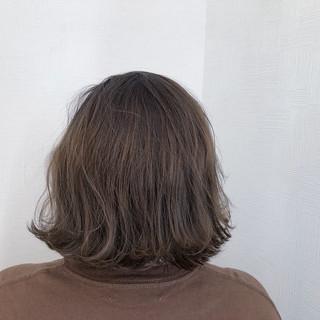 ナチュラル 簡単ヘアアレンジ スモーキーカラー 切りっぱなしボブ ヘアスタイルや髪型の写真・画像