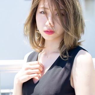 大人かわいい フェミニン 前髪あり ミディアム ヘアスタイルや髪型の写真・画像